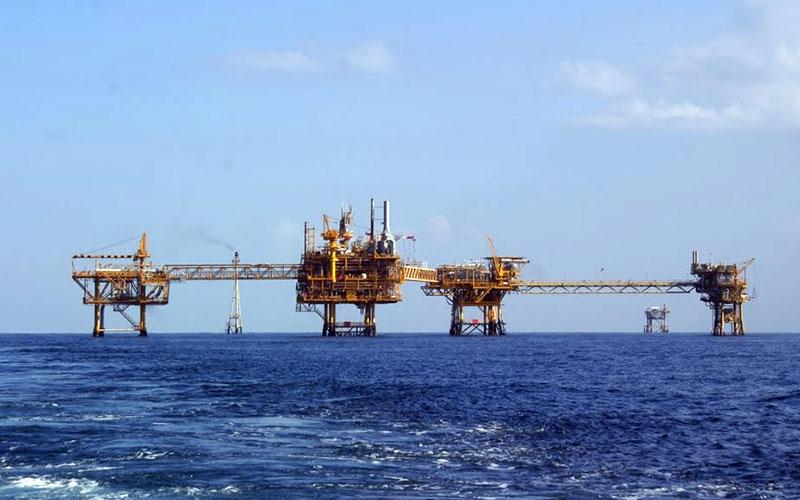 Нефтени платформи в Персийския залив